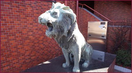 門番ライオン